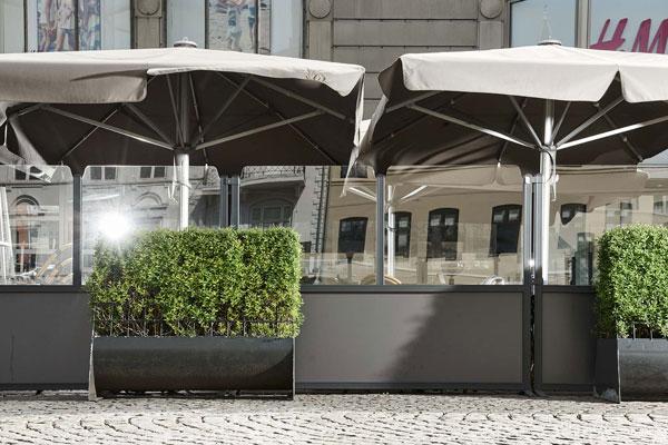 Cafeafskærmning og parasoller